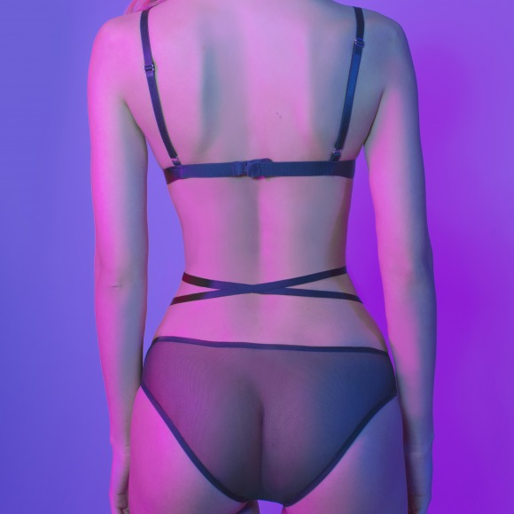 Str150 Classic strap harness with a winding strip around the waist. фото 2