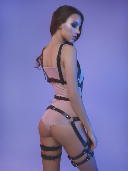 Elongated bodysuit with straps on the legs. фото 4