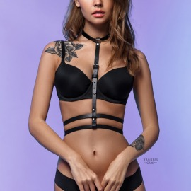 L-250 Classic harness with with a duble strap under the bust.