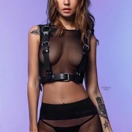 S-100 Classic woman harness with rings on side straps.