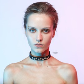 CH-21 Leather classic choker with studs.