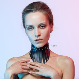 CH33 Wide leather choker with fringe.